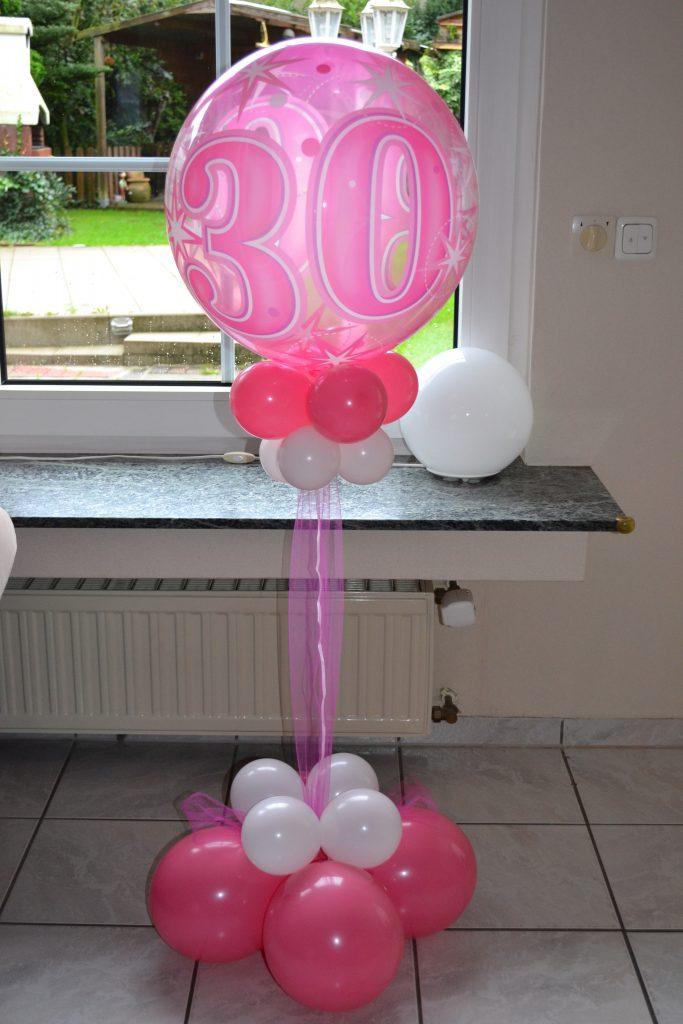 Heliumballon in Pink mit einer 30