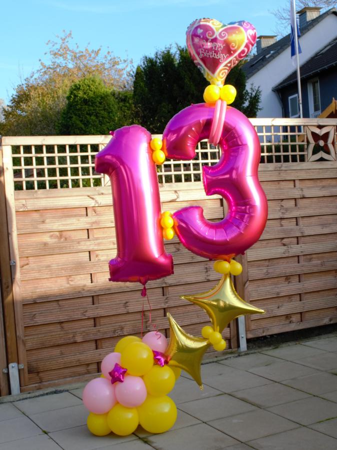 13. Geburtstag in Pink, Ballonzahlen, Sterne, Ballons